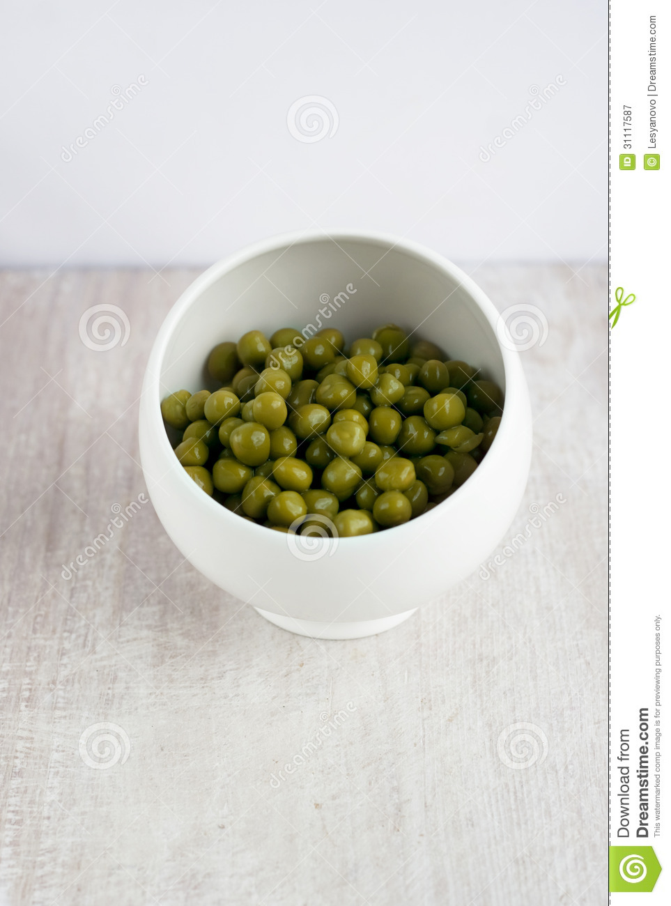 Green Preserved Peas In The China Plate Royalty Free Stock Photography