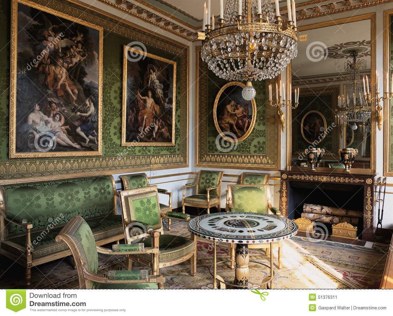 the architecture and design of versailles the palace of the king King louis xiv was so proud of versailles that he would often give tours to   along came the architect andré le nôtre (1613–1700) to the rescue—the   louis xv's roll-top secretary, designed between 1760 and 1769.
