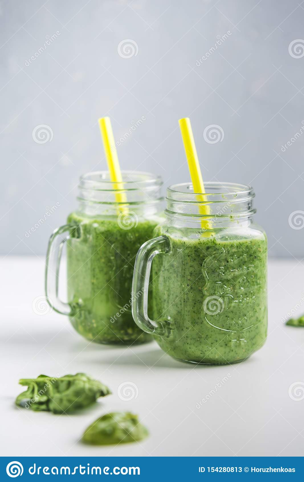 Green smoothie with spinach, Apple, cucumber and coconut milk