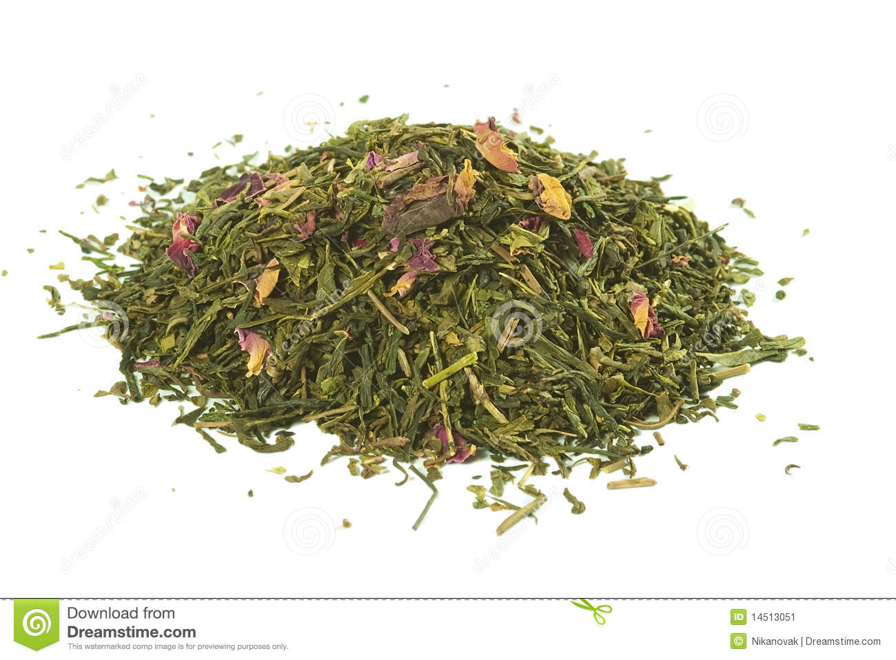 Green tea with rose petals, loose , solated