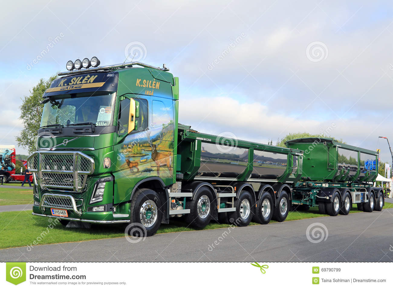 Green Volvo FH16 750 Show Truck Editorial Stock Image ...