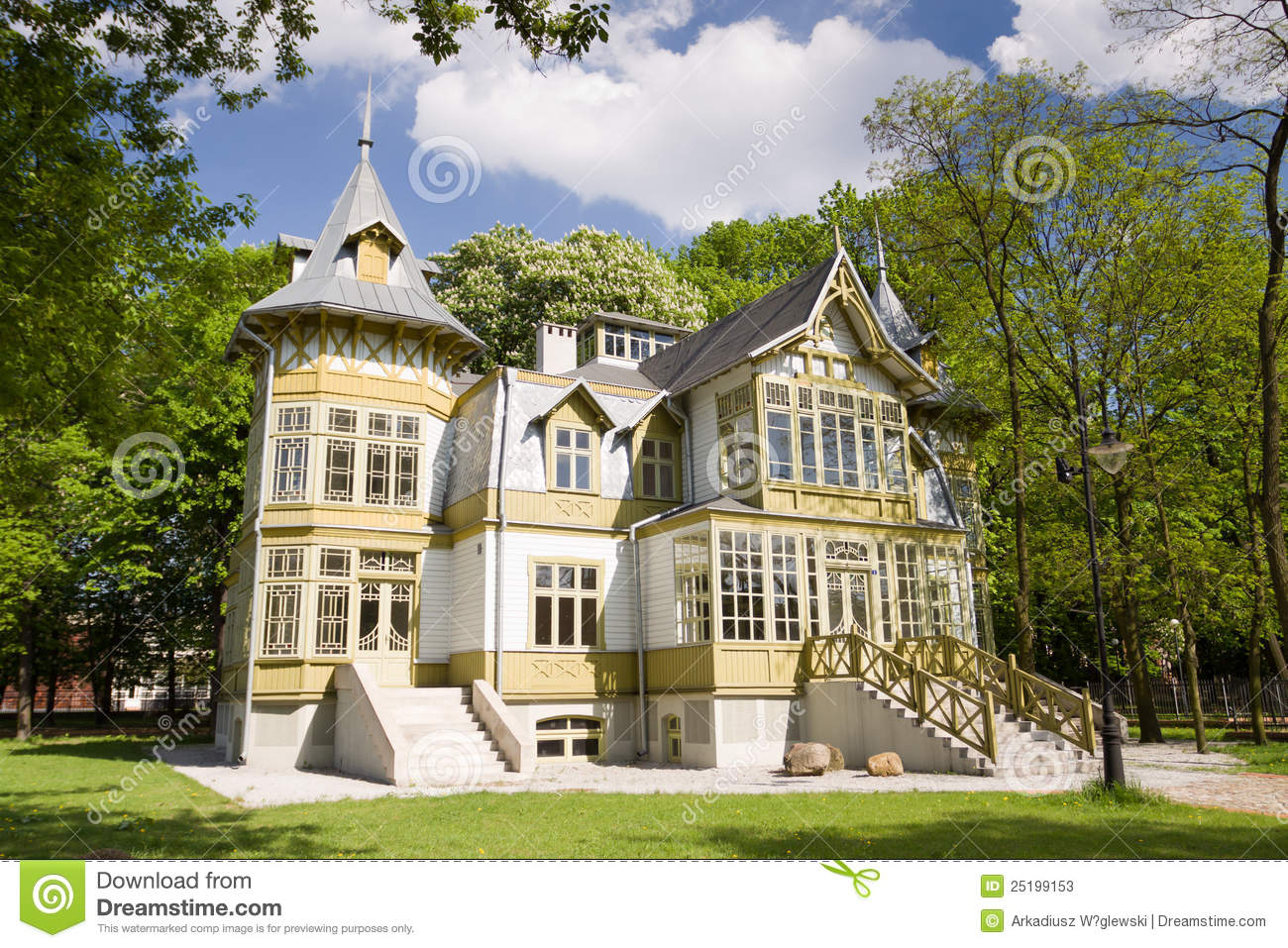Green Wooden House In Lodz Stock Photos Image 25199153