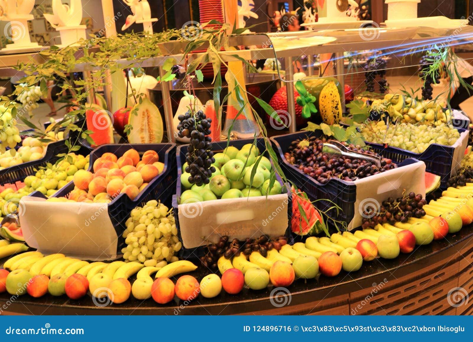 Greengrocer. Fruit shop. Fresh fruit. Fruit market. Grocery store.