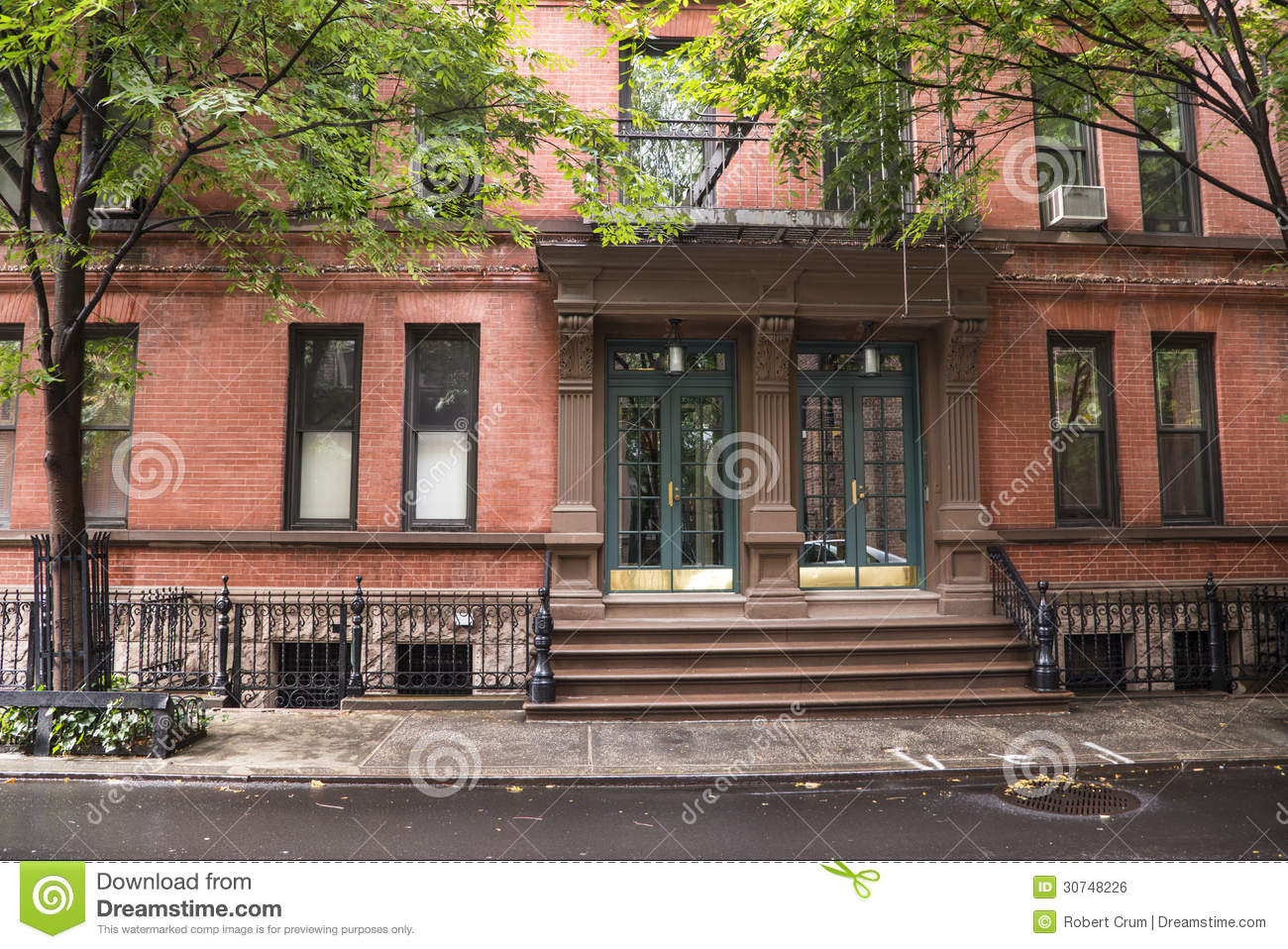Greenwich village apartment buildings new york city for Nyc greenwich village apartments