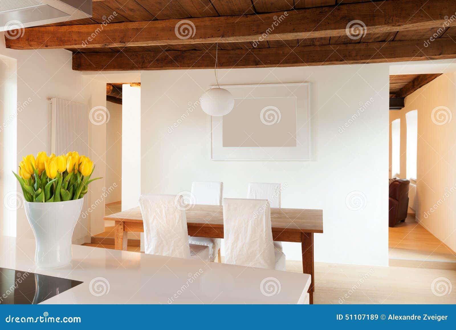 Grenier confortable meublé