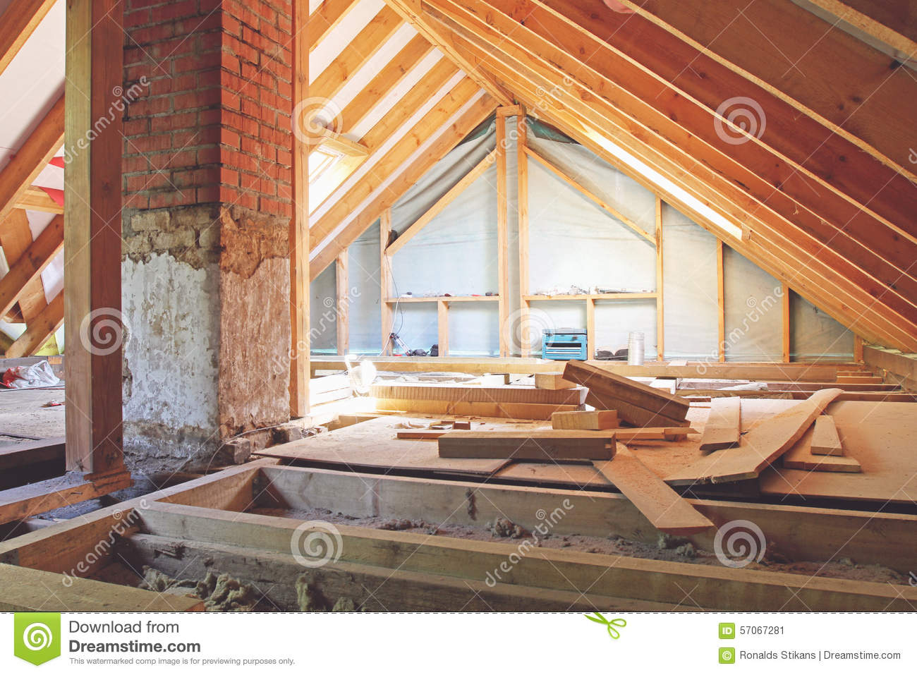 Grenier de chambre en construction photo stock image - Construction chambre de culture ...