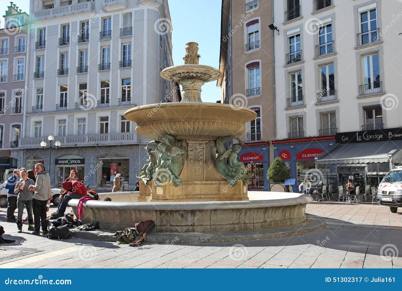 Restaurant Le   Place De Lavalette  Grenoble France