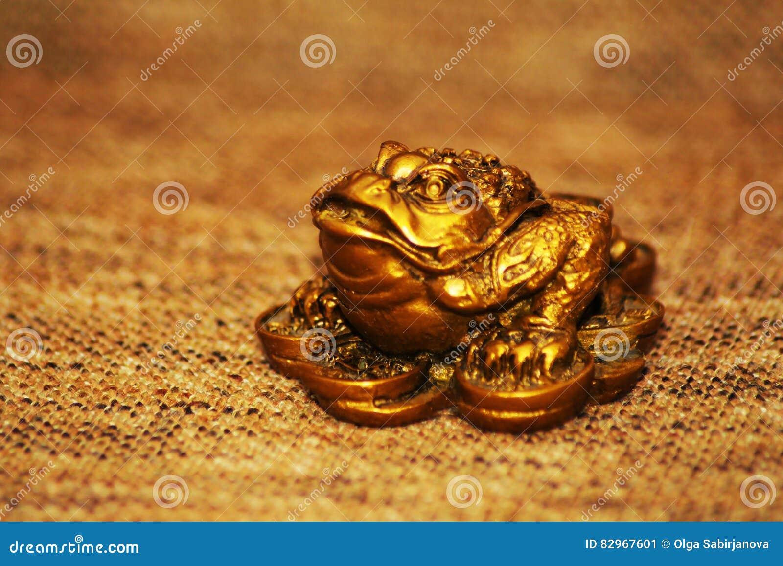 grenouille chanceuse d 39 argent de shui chinois de feng image stock image 82967601. Black Bedroom Furniture Sets. Home Design Ideas