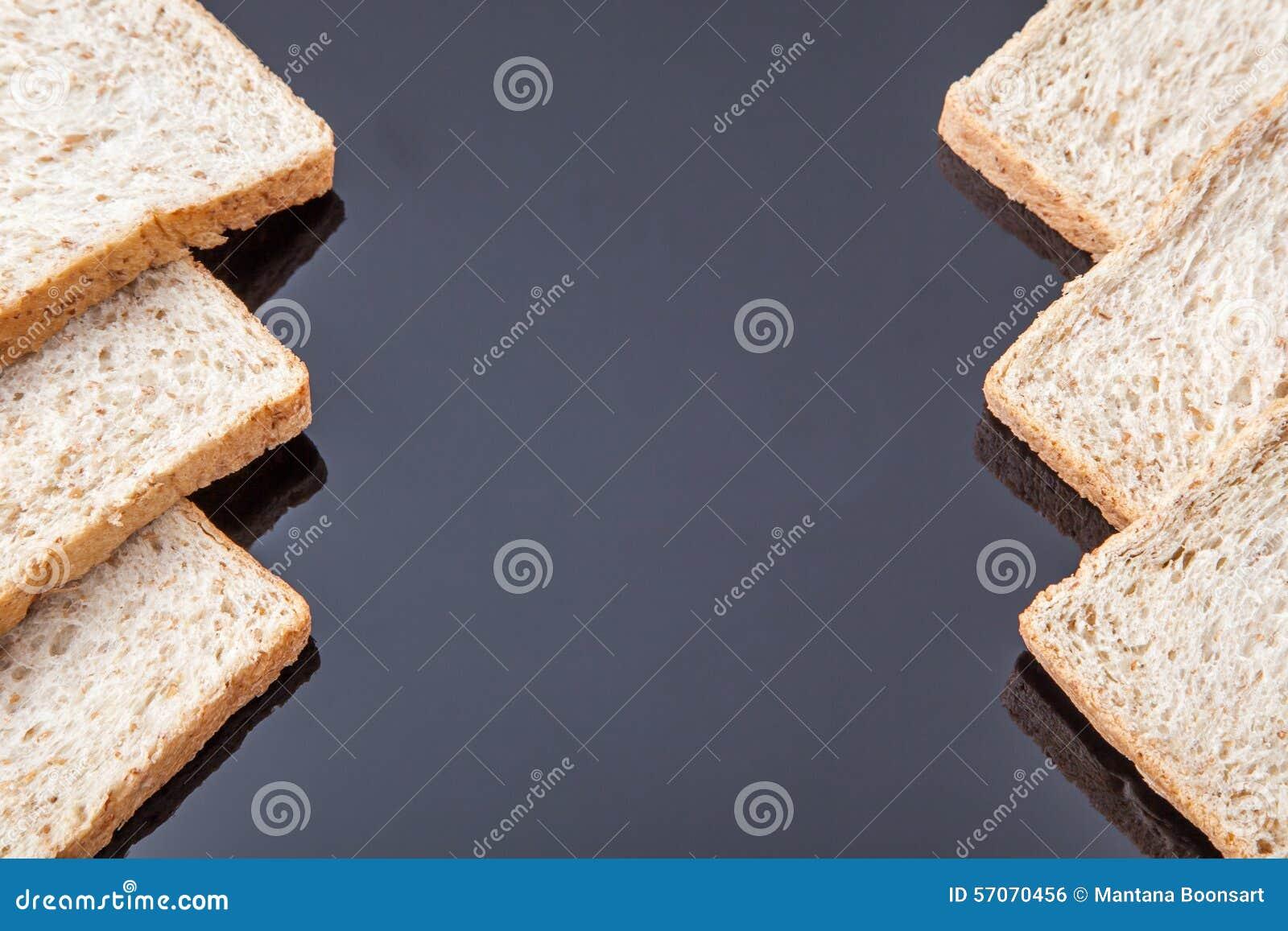 Grens van brood van de plak het gehele tarwe