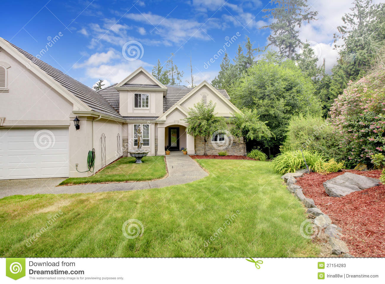 Exterior Mansion: Grey Beige Large Nice House Exterior Stock Photos