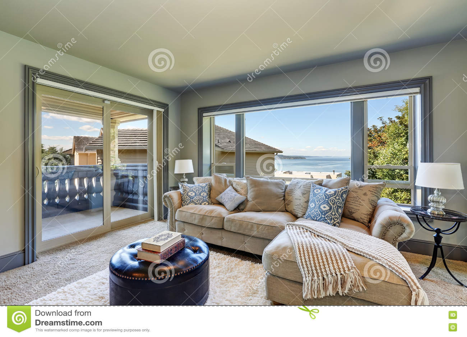Excellent Grey Interior Of Upstairs Cozy Family Room With Comfortable Frankydiablos Diy Chair Ideas Frankydiabloscom