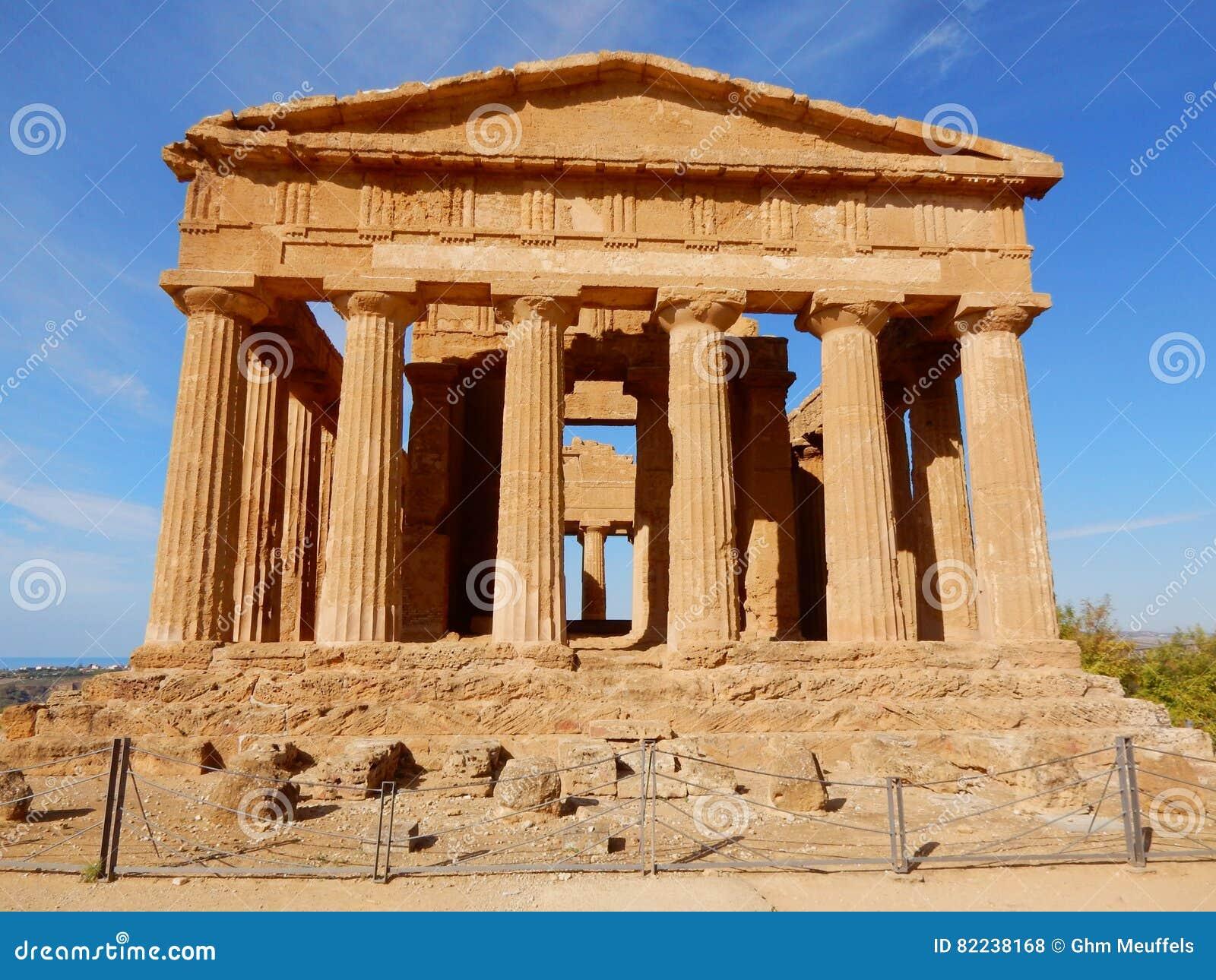 griechischer tempel von concordia tal der tempel. Black Bedroom Furniture Sets. Home Design Ideas