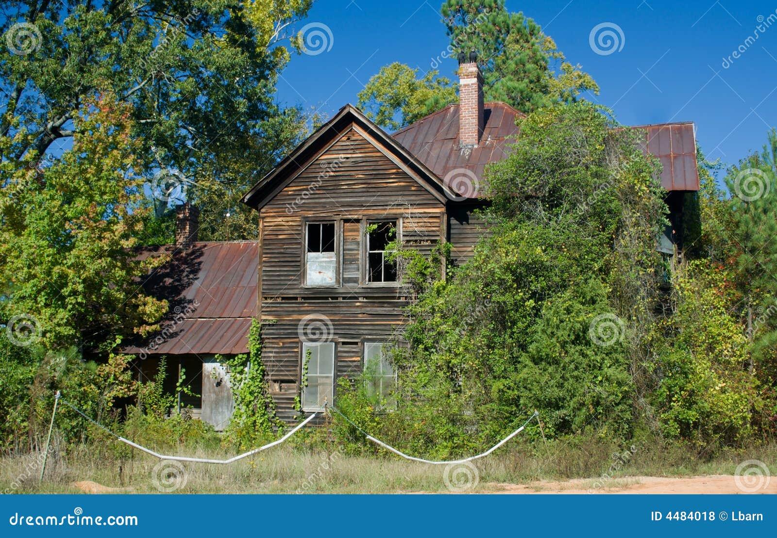 Griezelig oud huis stock foto afbeelding bestaande uit roestig 4484018 - Huis verlenging oud huis ...