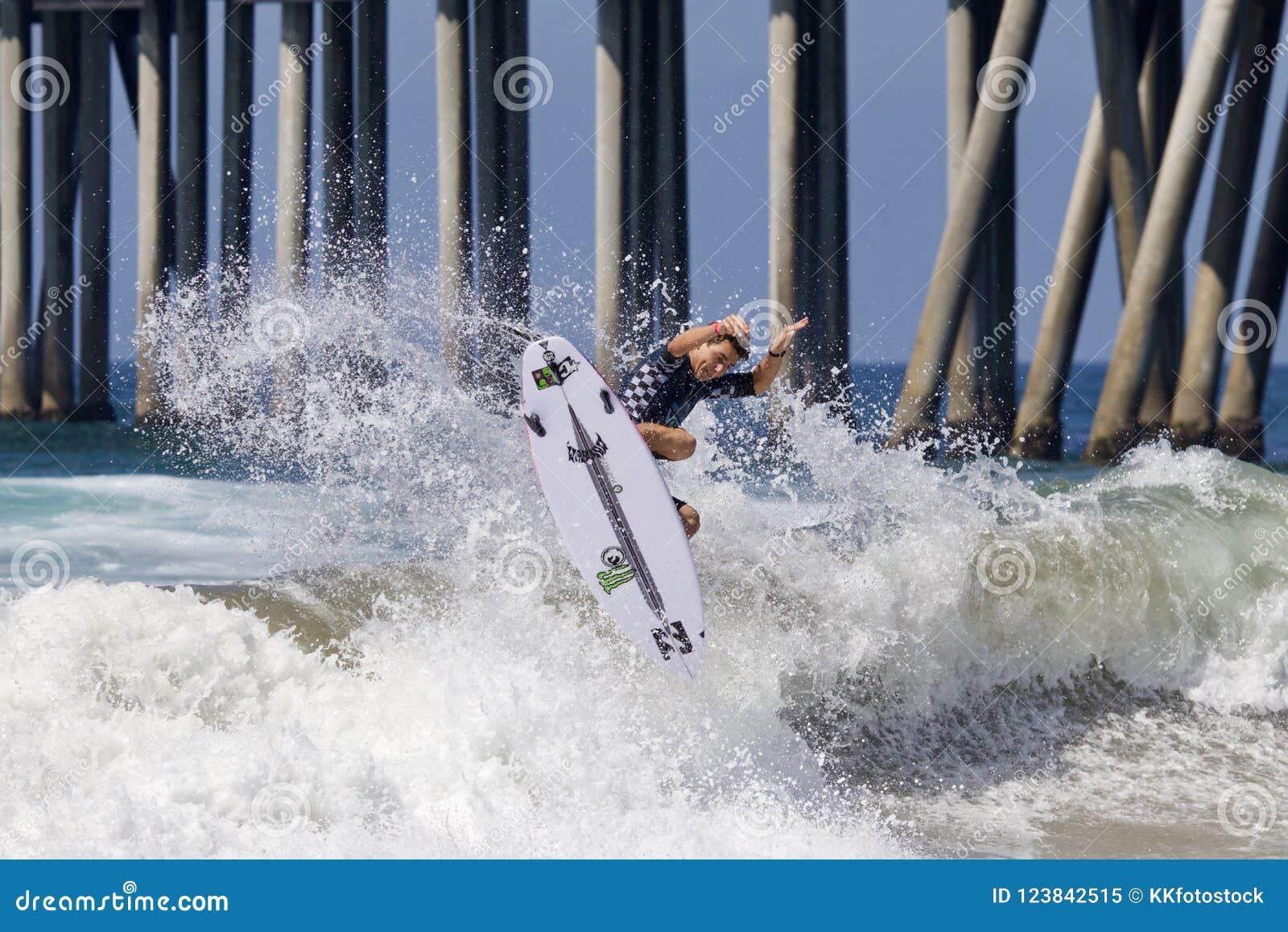 Griffin Colapinto Surfing en el US Open de las furgonetas de practicar surf 2018