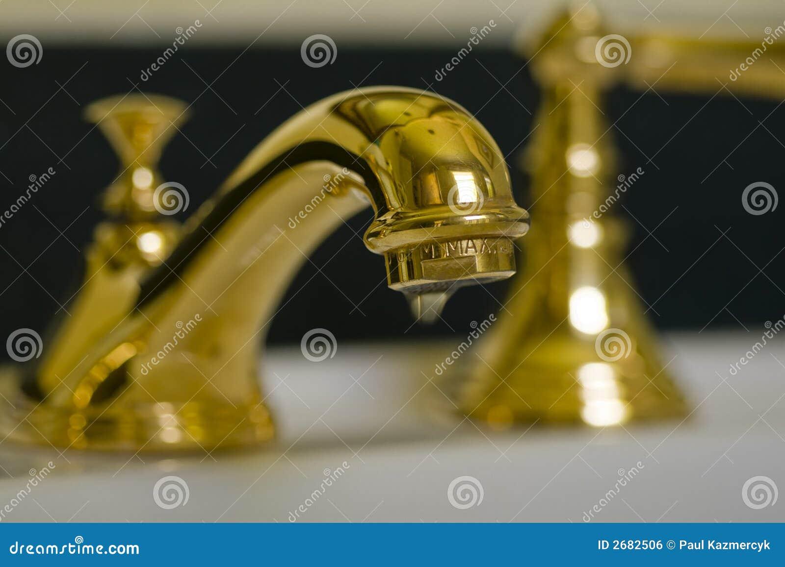 Grifo de cobre amarillo v3 del cuarto de ba o for Grifos de cobre