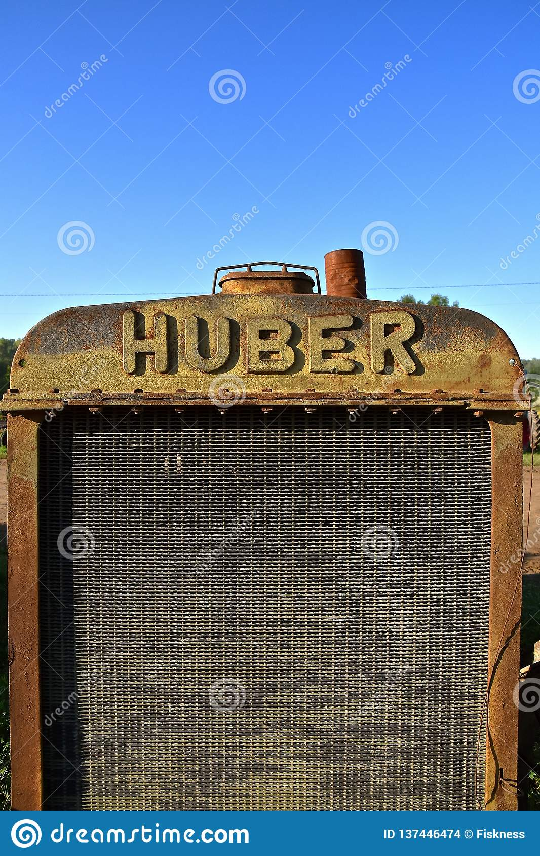 Griglia e radiatore di vecchio trattore di Huber
