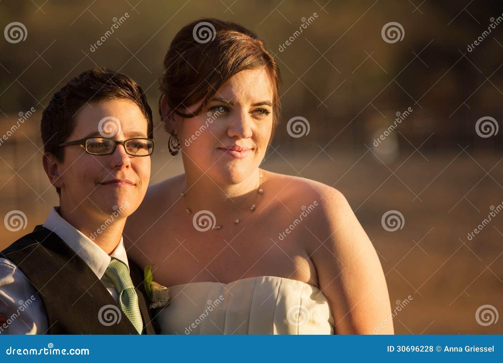 Grijnzende Lesbische Jonggehuwden