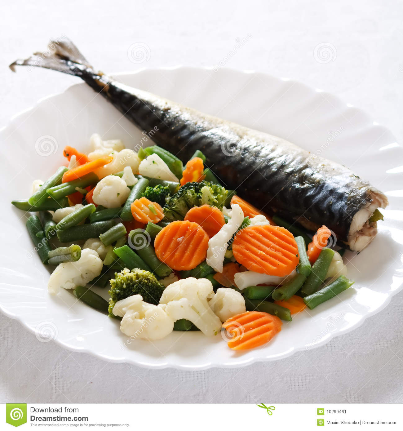 Grill fish with vegetables stock image image of for Fish with vegetables