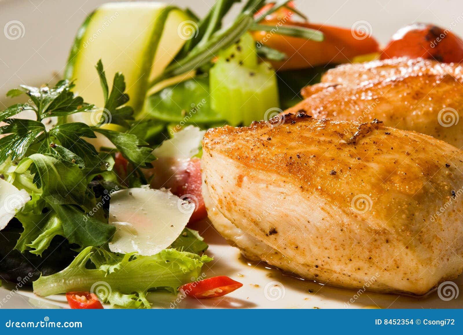 Grillad kryddig insats för bröstselleri höna