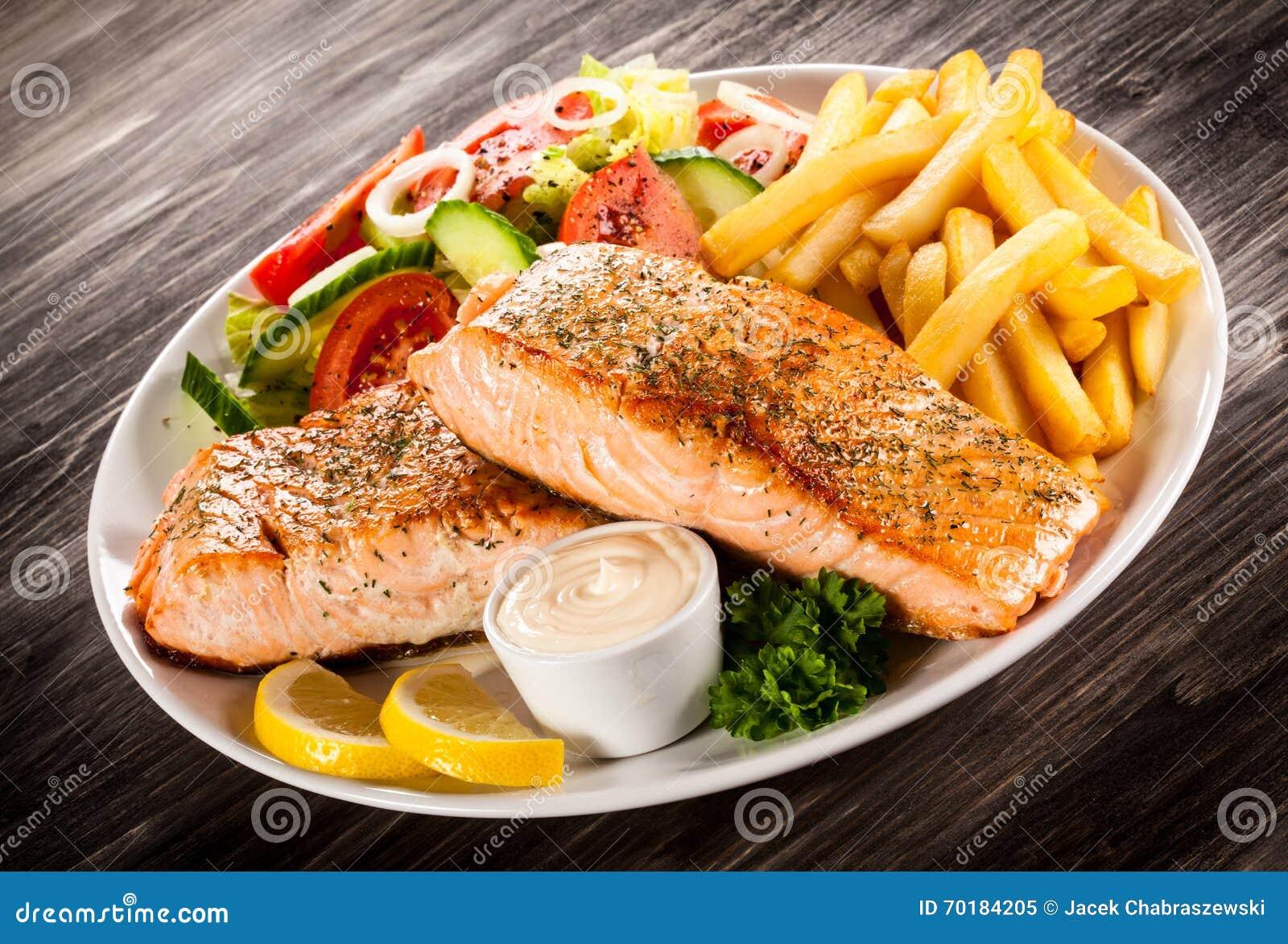 Grillad lax med franska småfiskar