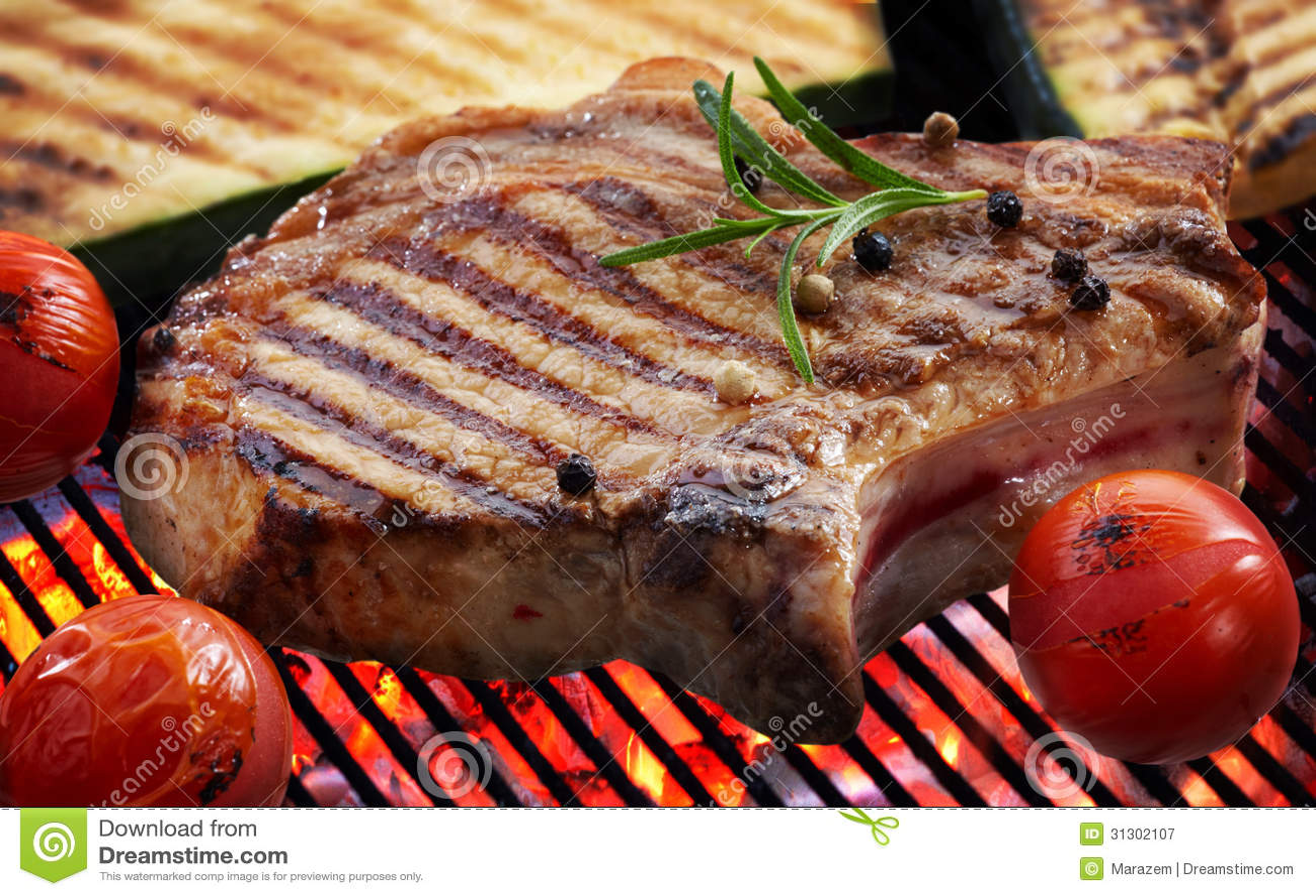Grillade köttbiff och grönsaker