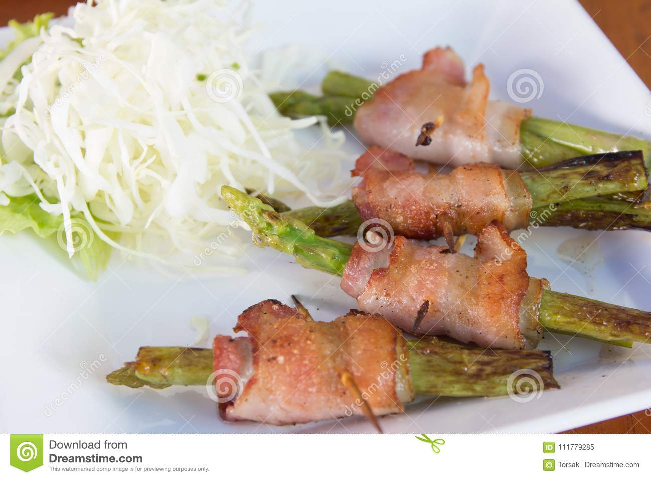 Grilled asparagus wrapped with bacon