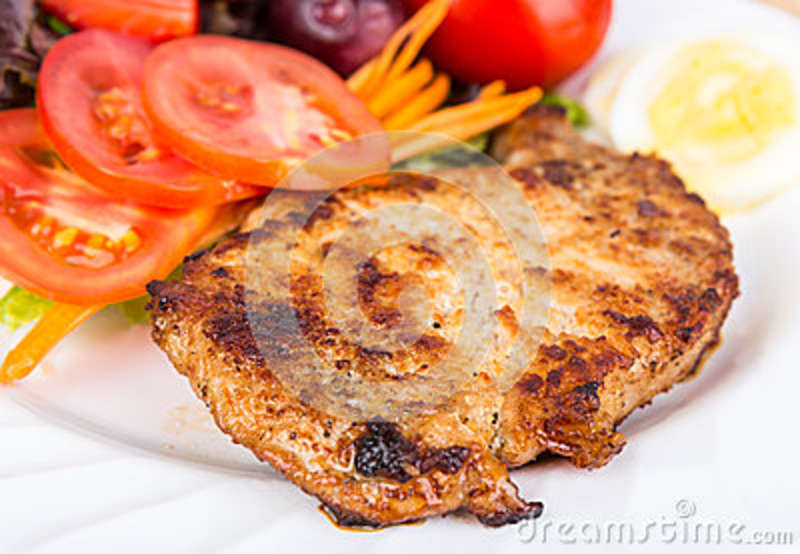 Grilled beef steak with salad palatable