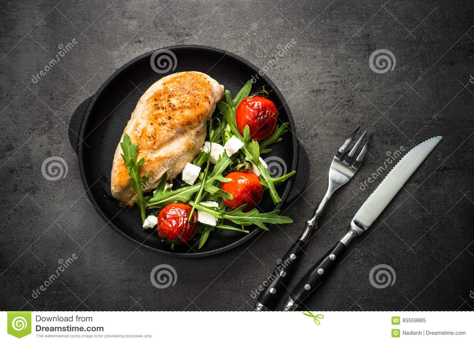Grilled chiken Leiste und Frischgemüsesalat