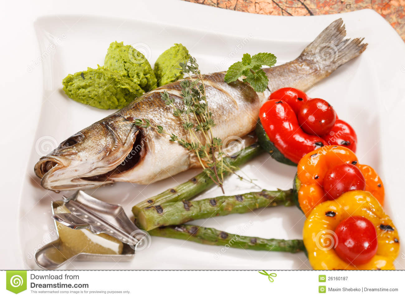 Grilled fish with asparagus royalty free stock photography for Fish and asparagus