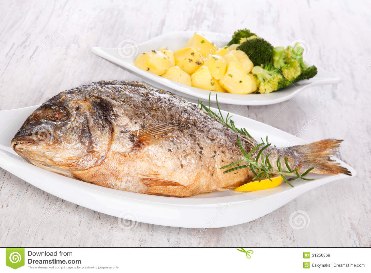 Grilled fish royalty free stock photos image 31250868 for Sea salt fish grill