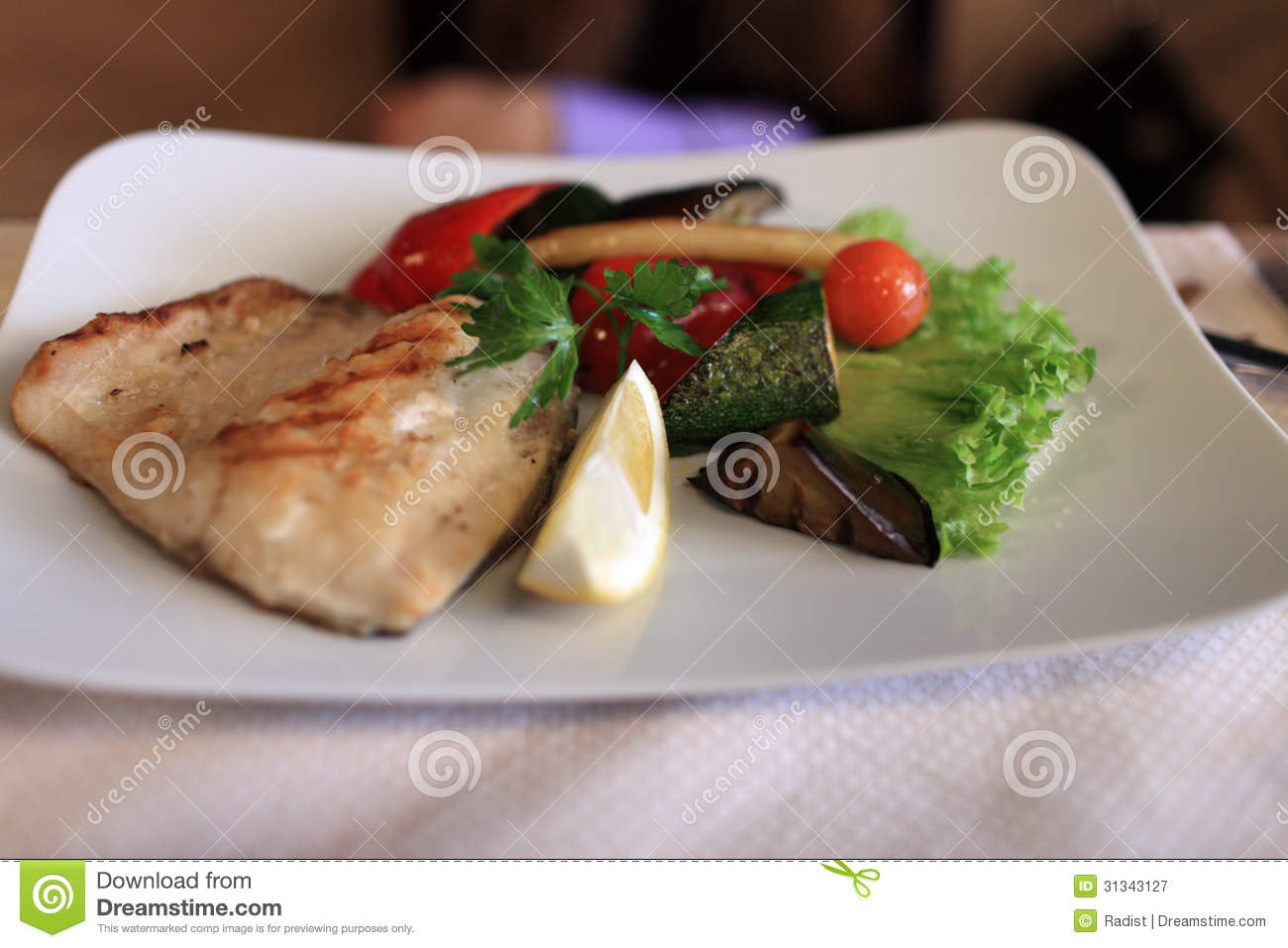 Grilled fish with vegetables royalty free stock for Fish with vegetables