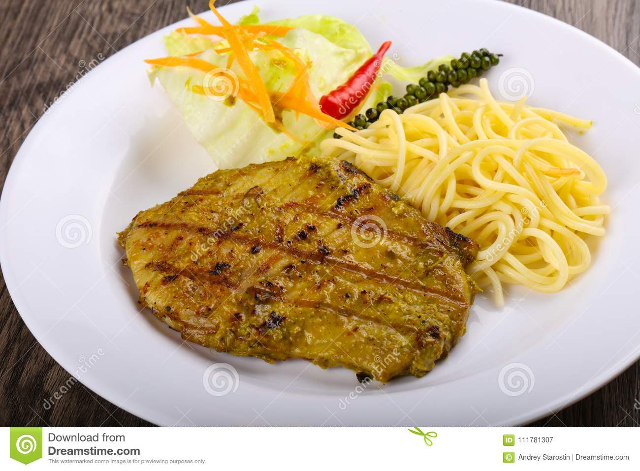Grilled meat with green curry