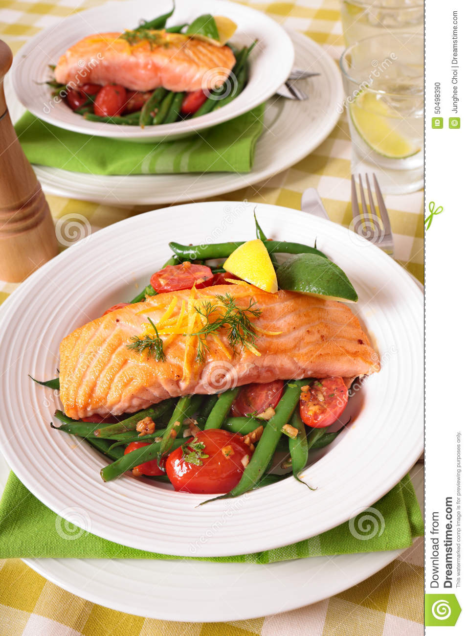 Watch Roasted Salmon, Green Beans, and Tomatoes video