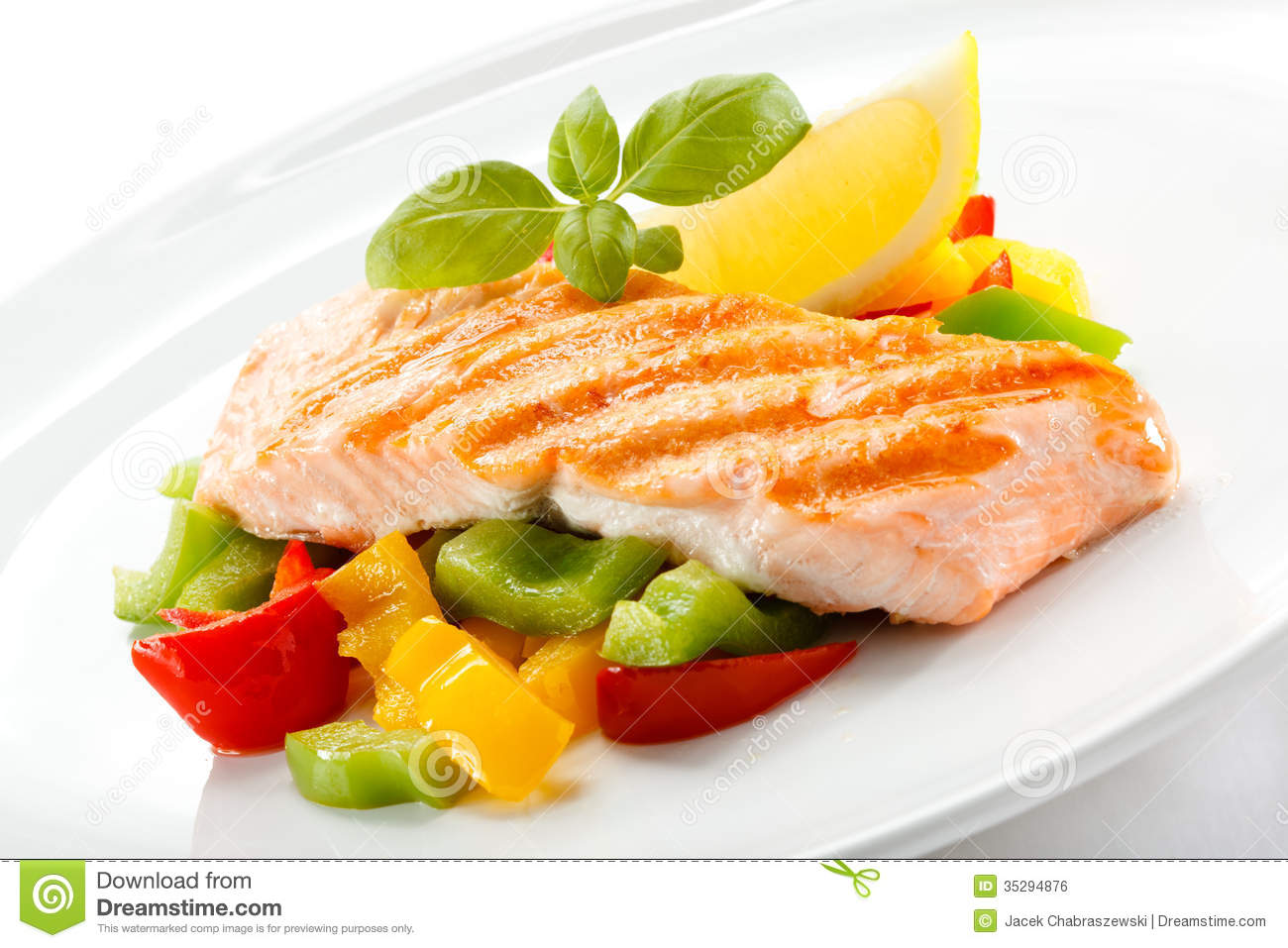 Grilled salmon and vegetables stock photo image 35294876 for What vegetables go with fish