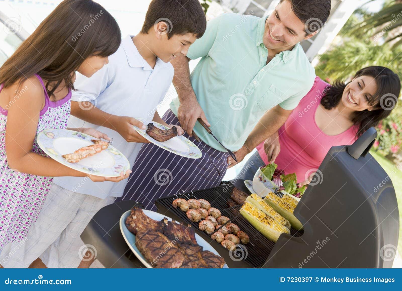Grillfest som tycker om familjen