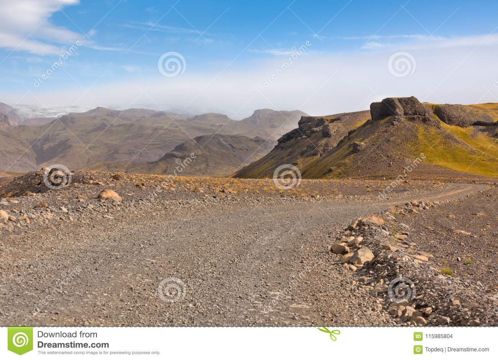 Grintweg door Ijslandse Lavabergen