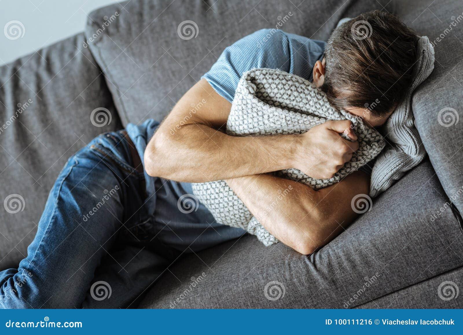 Grito triste infeliz do homem