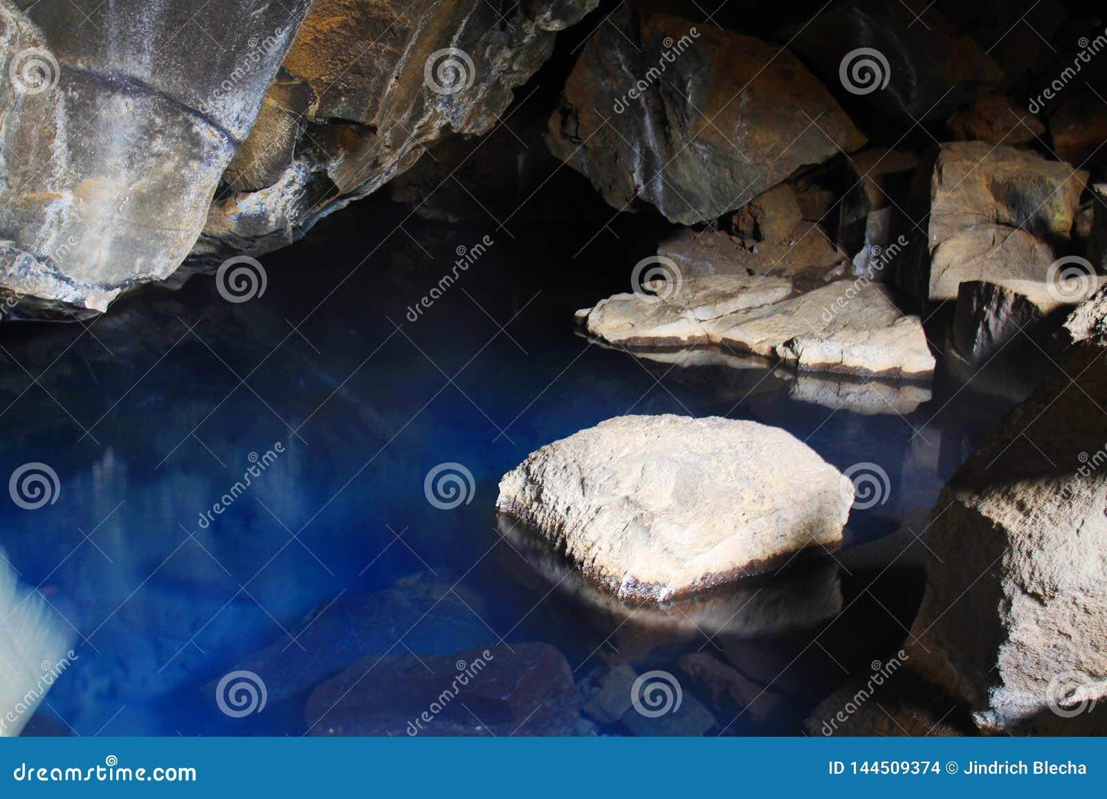 Grjotagja grotta, Island