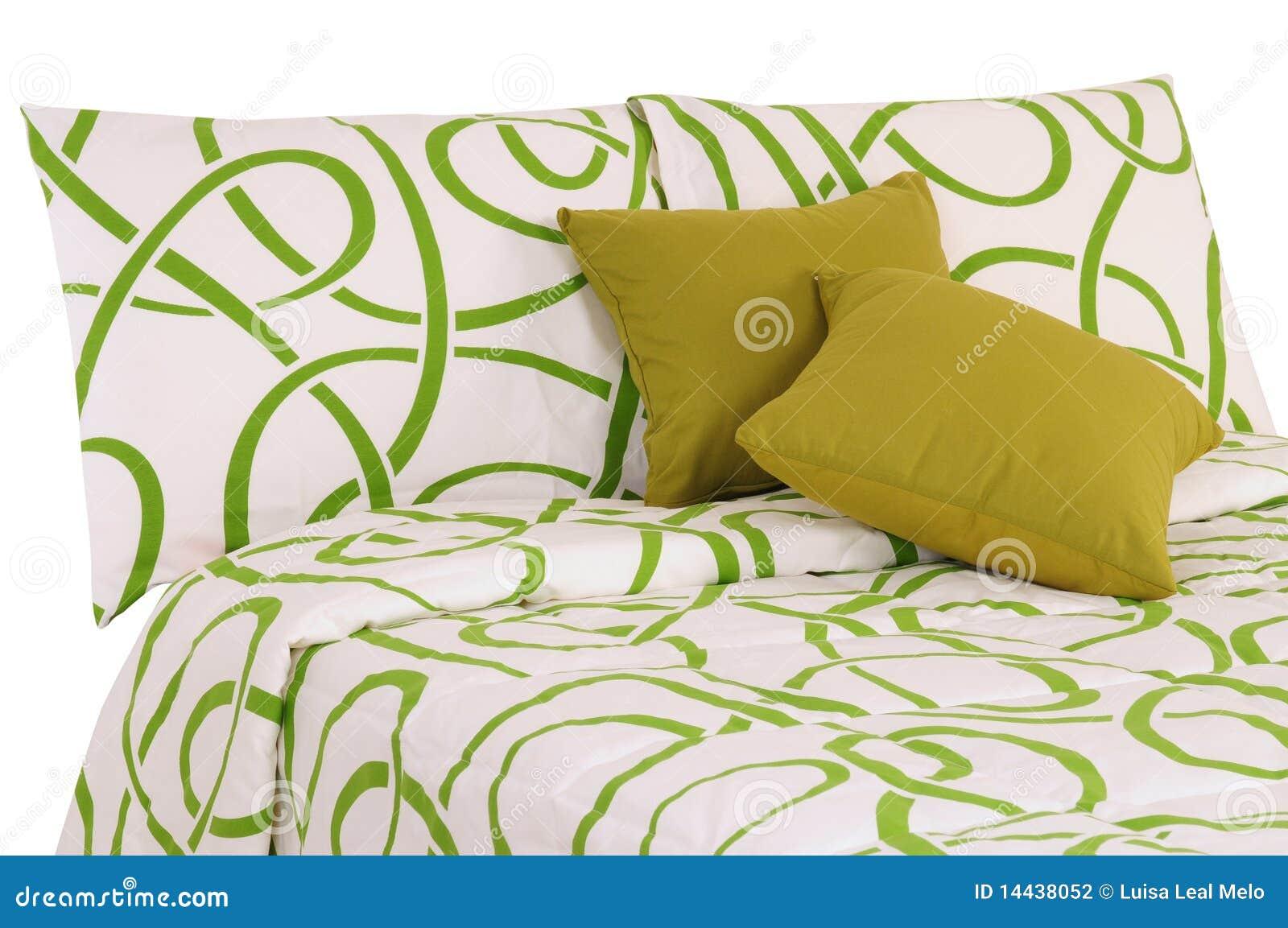 gr ne bettw sche stockfotografie bild 14438052. Black Bedroom Furniture Sets. Home Design Ideas