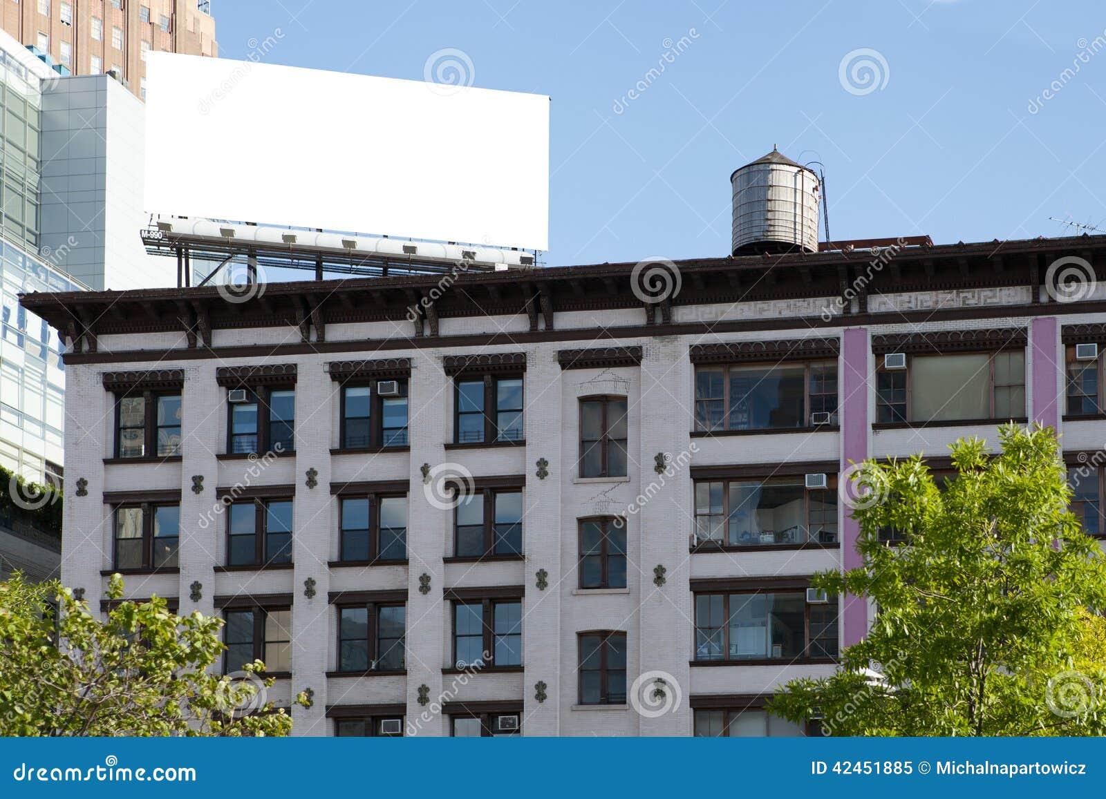 Groß, weiß, leer, Anschlagtafel auf dem Dach