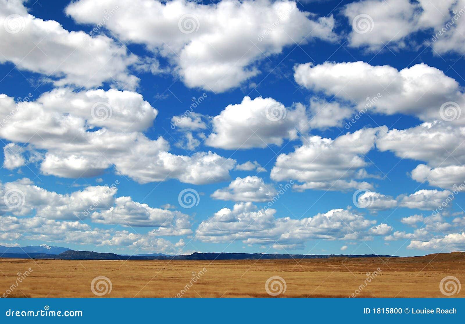 Große Himmel-Wolken