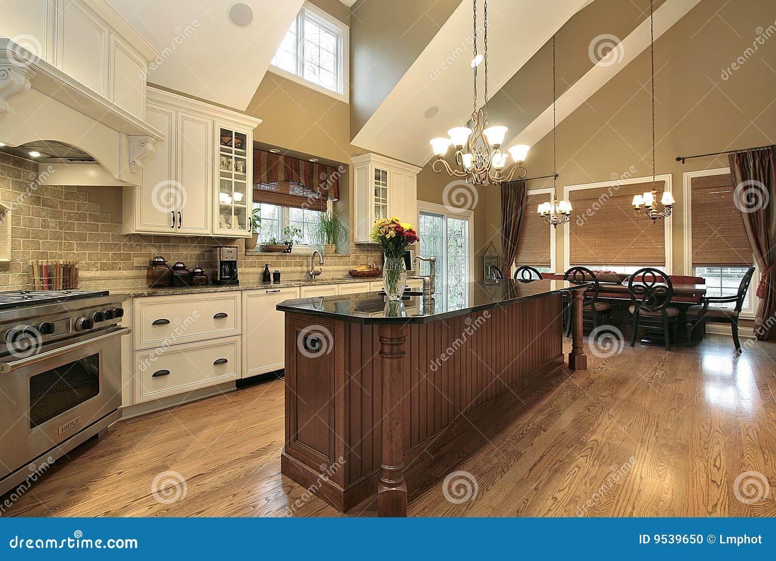 Große küche im luxuxhaus