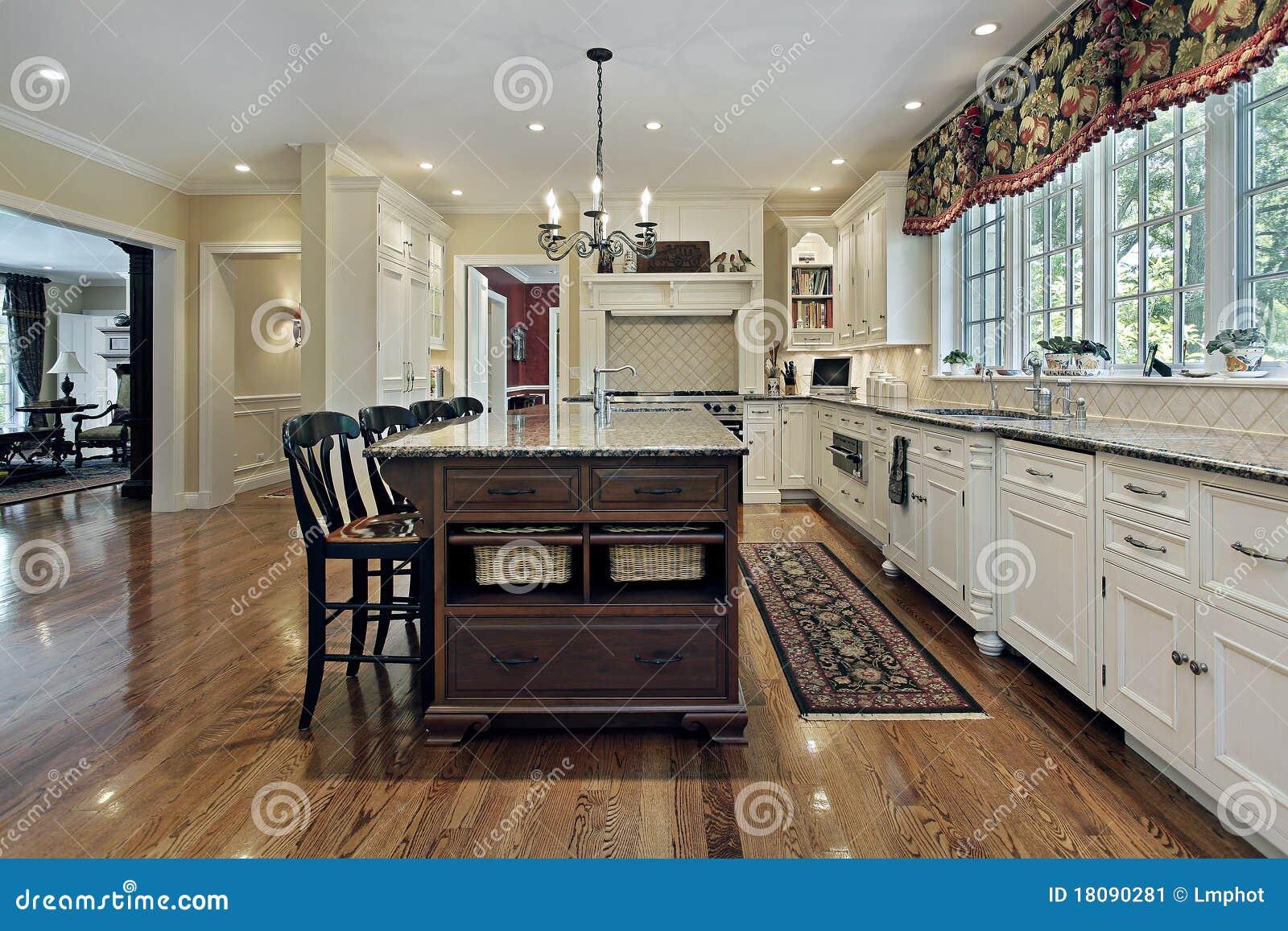 große küche mit weißem cabinetry stockbild - bild: 18090281 - Große Küche