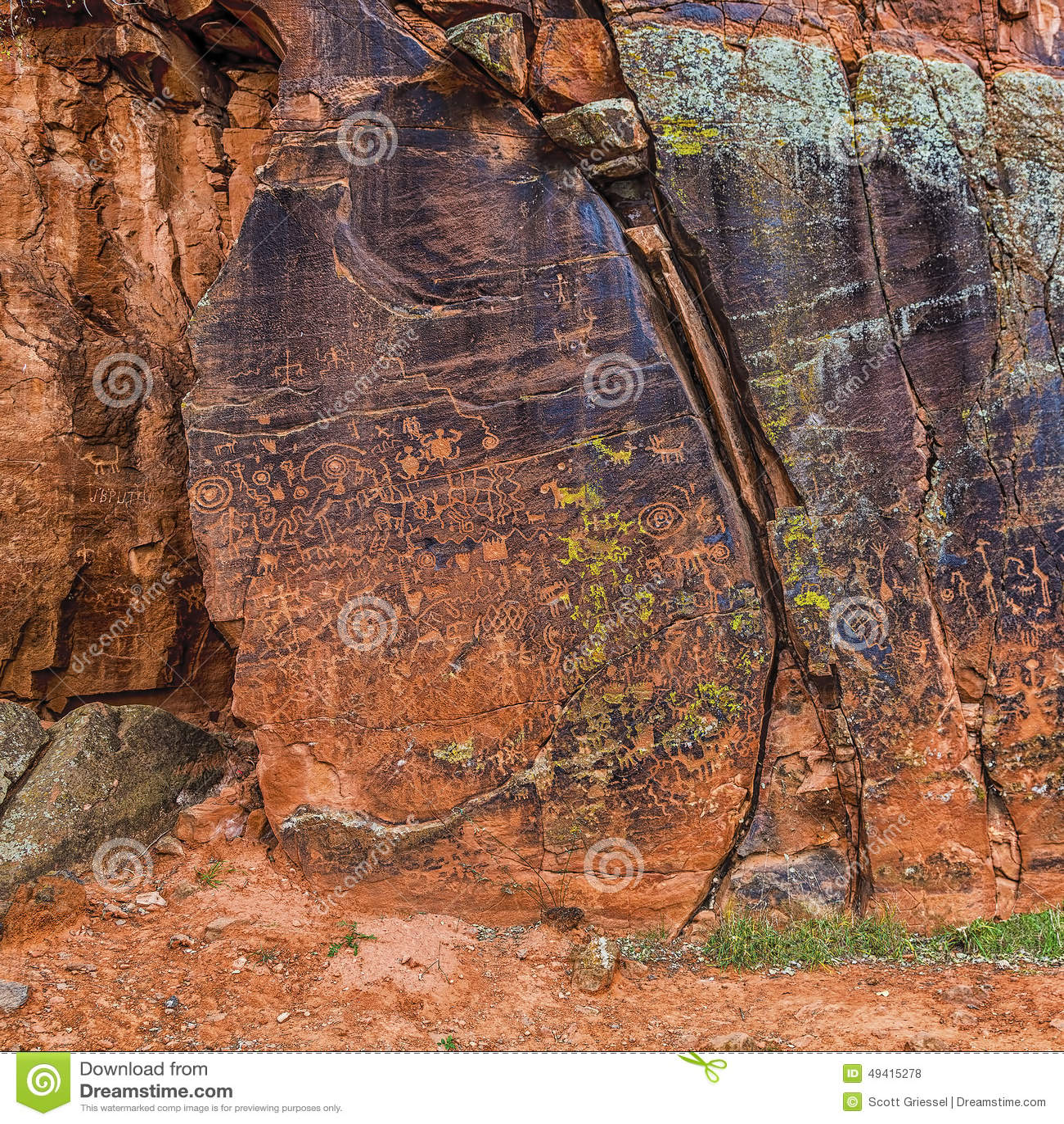 Download Große Platte Von Petroglyphen Stockfoto - Bild von cougar, archäologie: 49415278