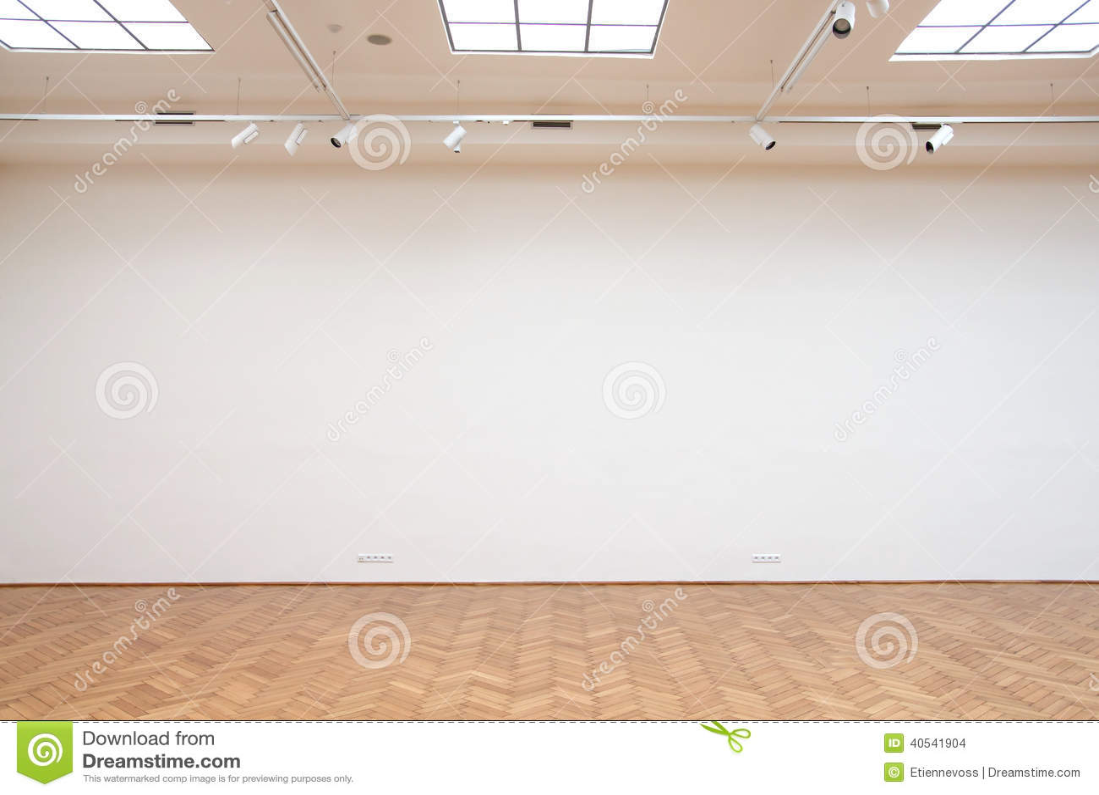 große weiße wand mit bretterbodenfliesen stockfoto - bild von haupt