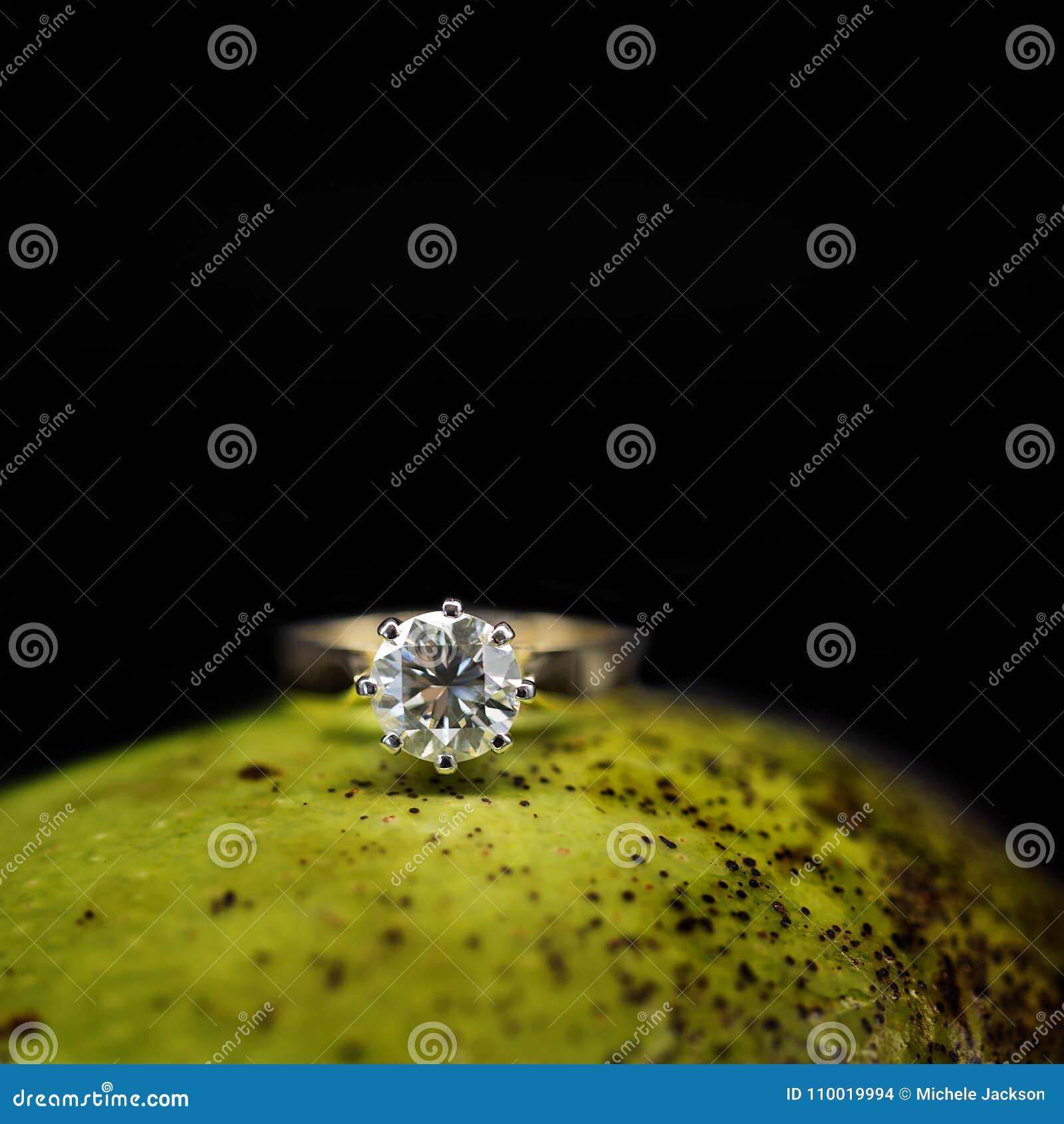 Großer Diamond Solitaire On eine Mango