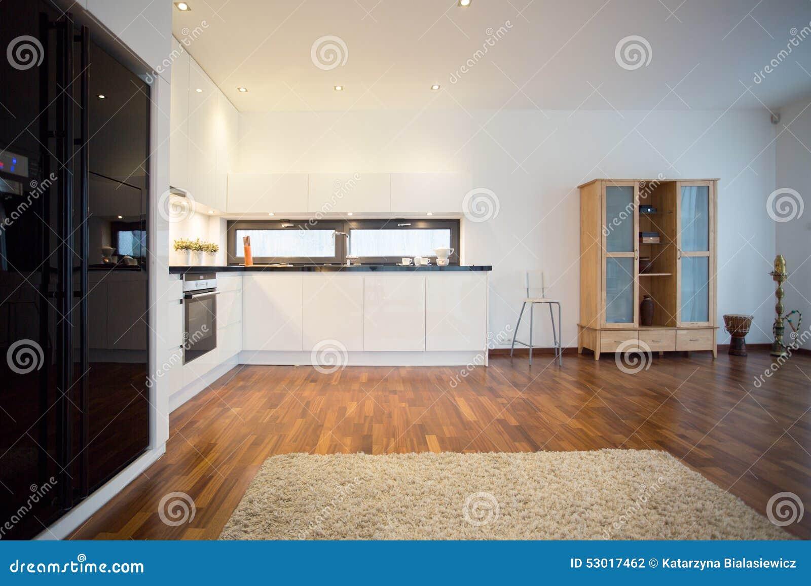 Großer Schwarzer Kühlschrank Stockfoto - Bild: 53017462