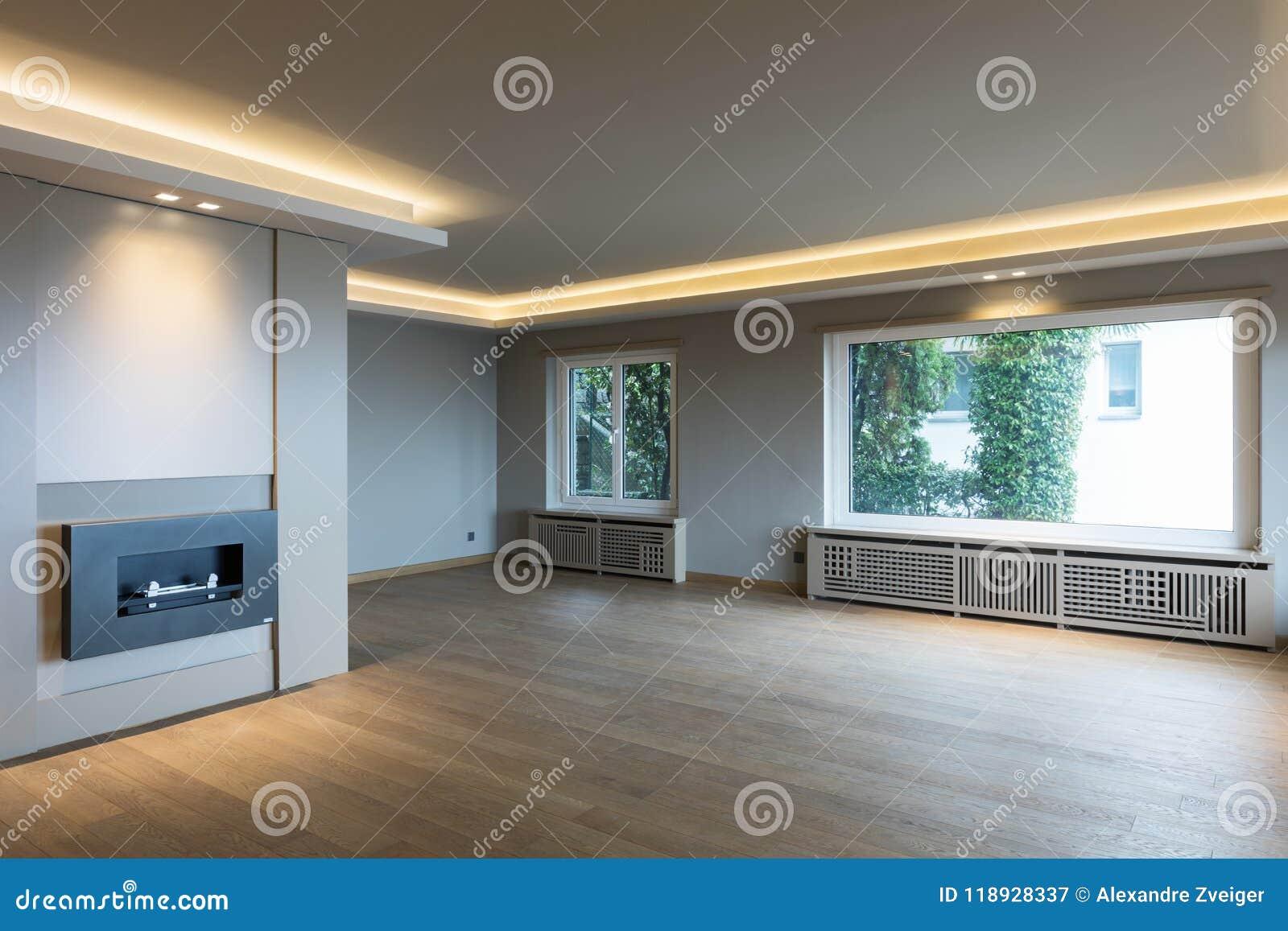 Großes Wohnzimmer | Grosses Wohnzimmer In Der Modernen Wohnung Stockbild Bild Von
