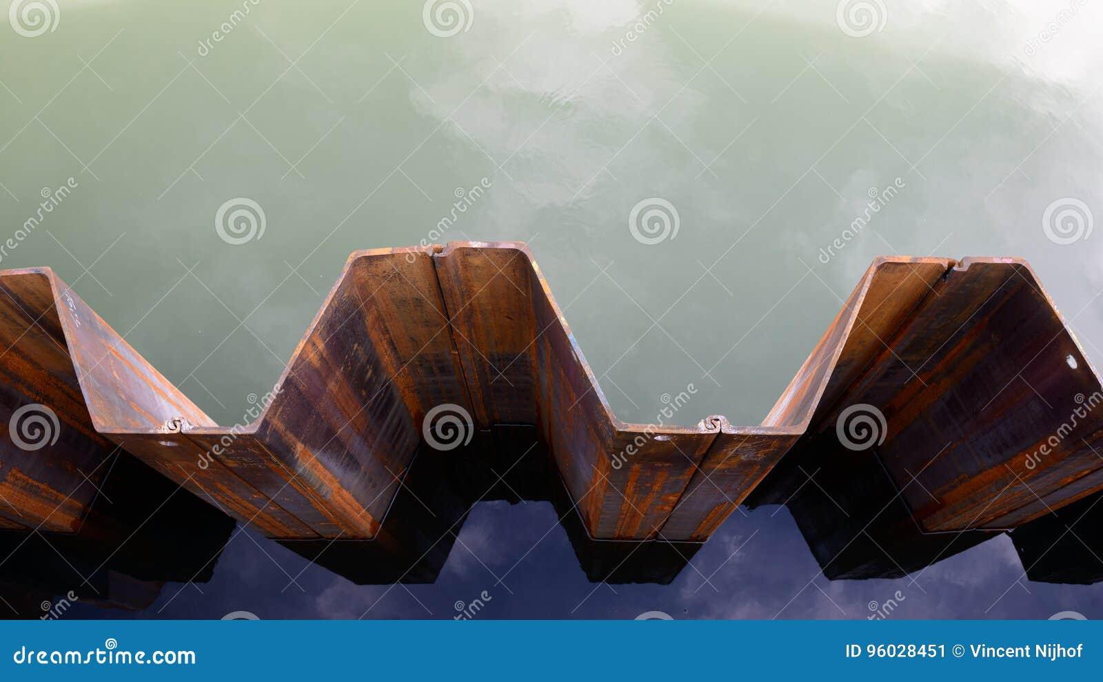 Grobelna ściana szkotowy palowanie, odgórny widok