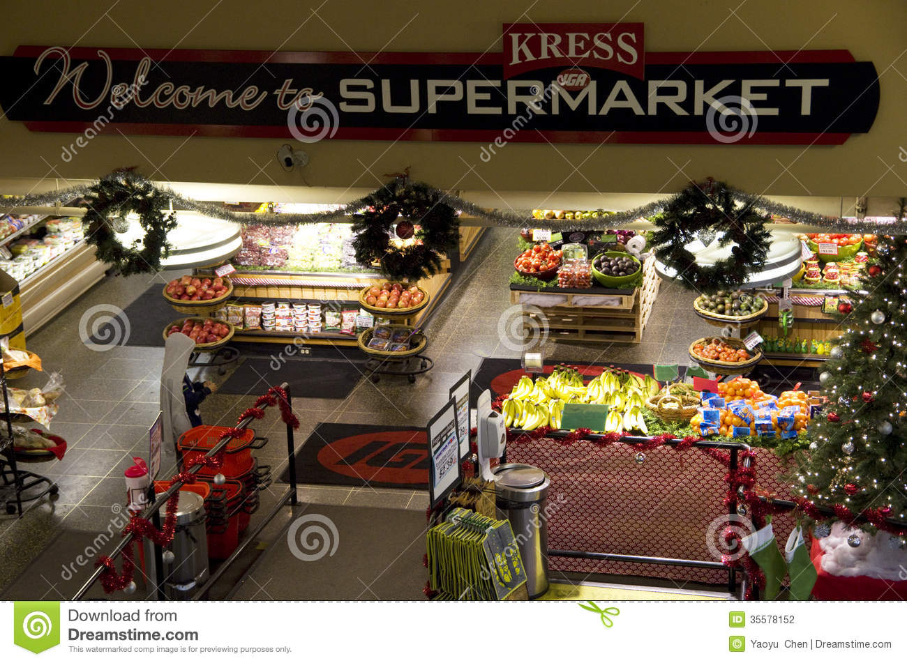 grocery store downtown seattle editorial photography